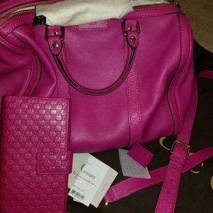 Gucci Boston Leather Handbag w/ matching wallet